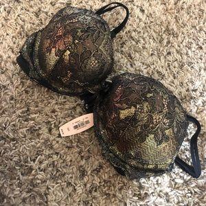 BRAND NEW Victoria's Secret push up bra